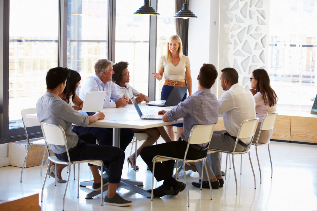 41399685 – businesswoman presenting to colleagues at a meeting